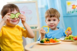 Kids eating healthy food