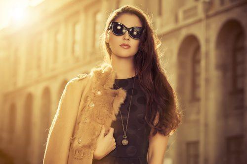 Beautiful-fashionable-woman-st-51961771